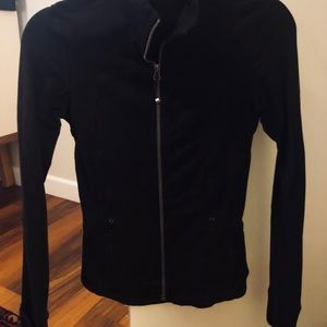 lululemon countour jacket black size 4